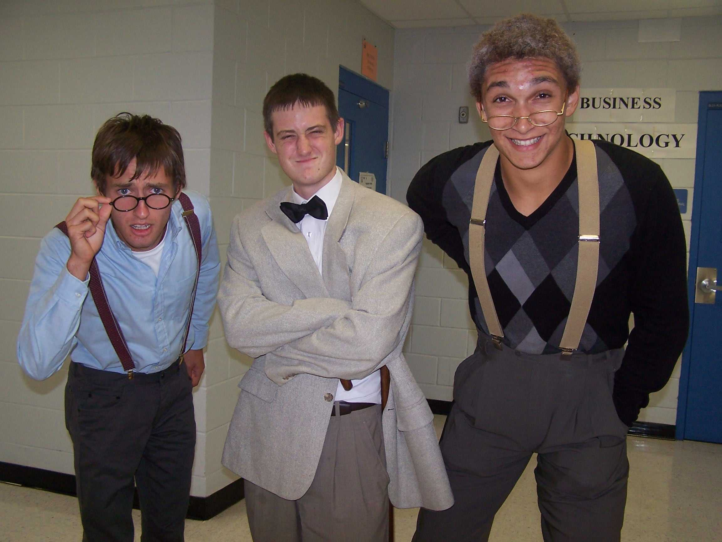 Example of seniors from the past celebrating generation day.
