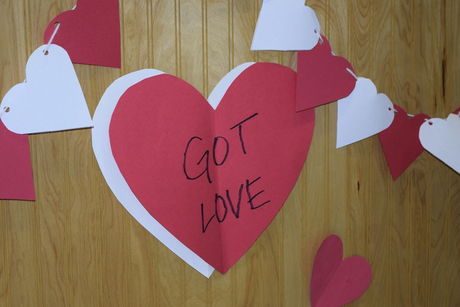 Sweet signs of Valentine's Day surround students