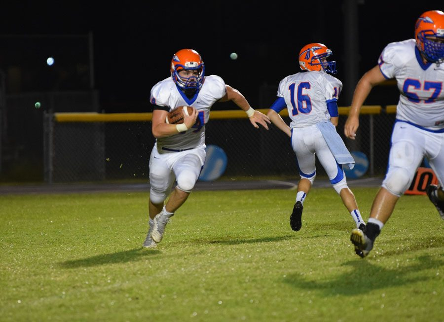 Junior+running+back+Seth+Boling+runs+the+ball+for+a+big+gain+against+Pinellas+Park.